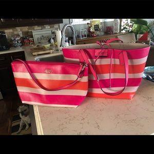 Guess 2pc purse set